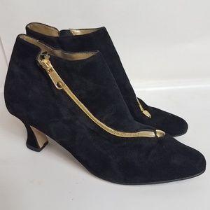 Vintage black gold zipper suede ankle booties 7.5